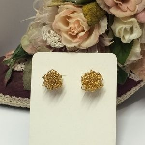 Unique Vintage Gold tone Wire Earrings